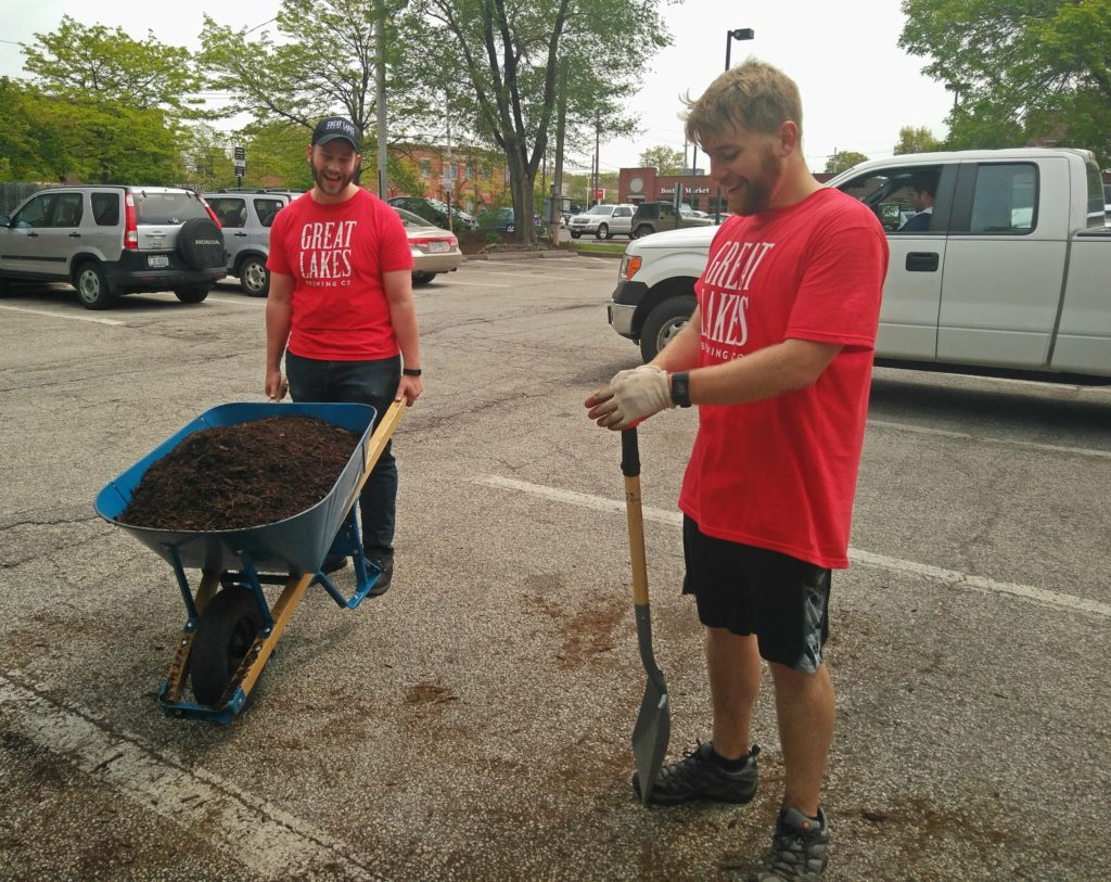 LakewoodAlive volunteer project with Great Lakes Brewing Company.